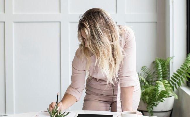 Comment augmenter sa confiance en soi au travail - aureliefoucart.com
