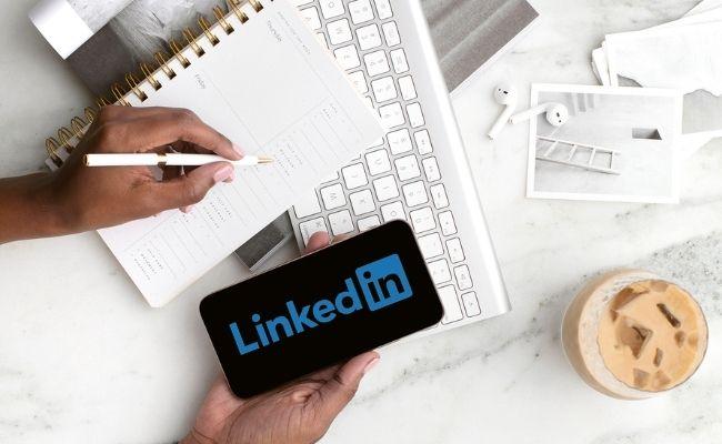 Faites-vous l'un de ces faux-pas sur Linkedin ? - aureliefoucart.com